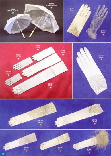 Ombrelles, gants.